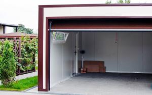 Фото гаража из стеновых сэндвич-панелей